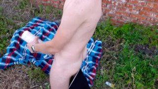 Русский хуй, маты и жесткий чмор воображаемого пидораса в заброшке
